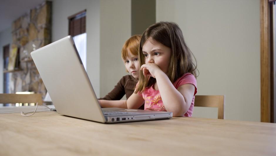 Strokovnjaki že 10. leto o učinkoviti obravnavi zlorab otrok na spletu (foto: profimedia)