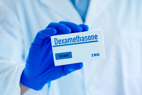 Evropska agencija za zdravila podpira deksametazon pri zdravljenju bolnikov s covidom-19