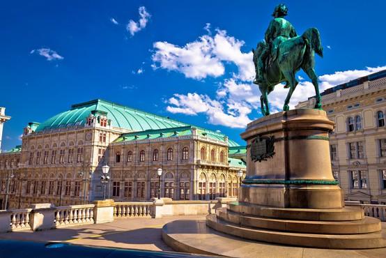 Avstrija prihodnje leto brez največjega družabnega dogodka, opernega plesa