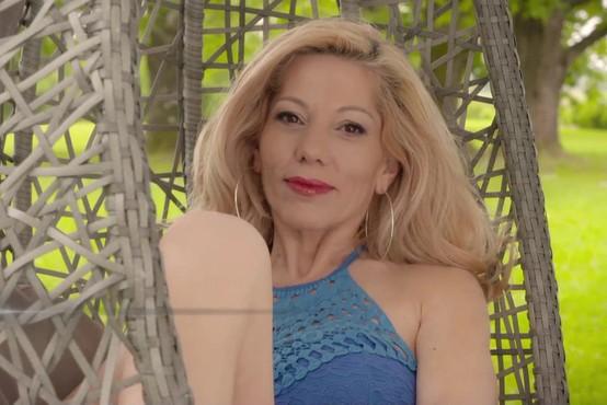 Pri Cosmopolitanu so našli skriti YouTube kanal Jacqueline Kale (Ljubezen po domače)