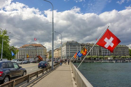 Za Slovence od ponedeljka v Švici obvezna karantena