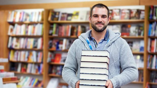 Ljubitelji knjig, pozor! V Ljubljani, Mariboru, Kopru in Celju bo zvečer potekala Noč knjigarn. (foto: Shutterstock)