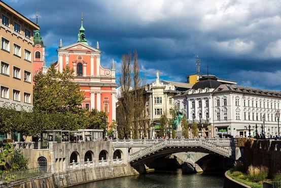 Podatki o širjenju okužbe skrbijo slovensko vlado