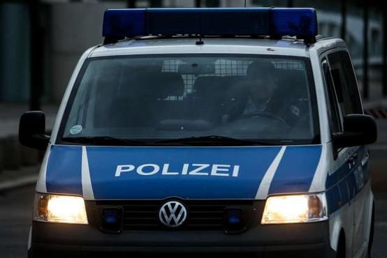 Voznica v Nemčiji v pol ure zakrivila serijo prometnih nesreč