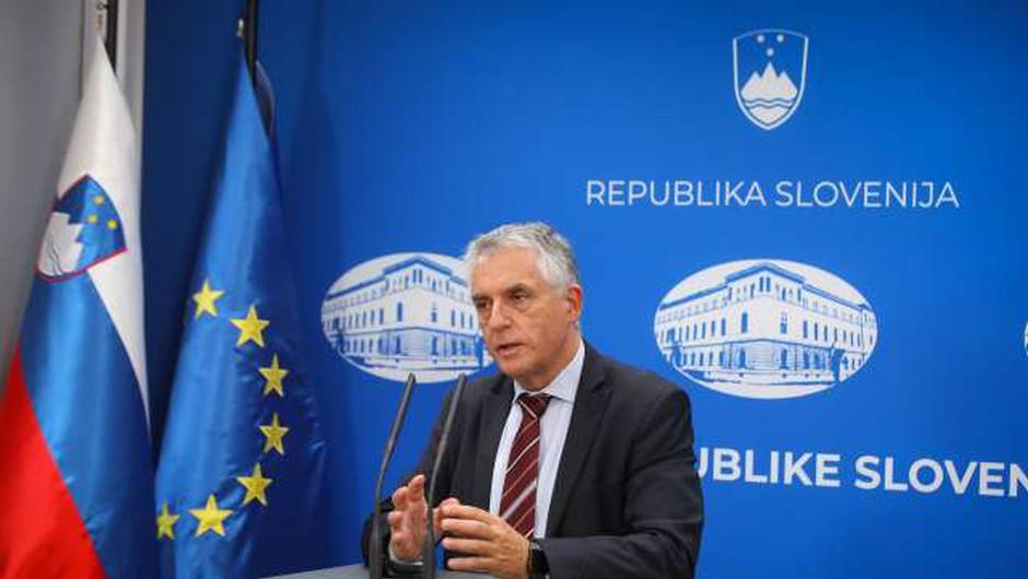 Po oceni Gantarja in Beovićeve bo pri razglasitvi epidemije pomembno vlogo igrala zmogljivost zdravstvenega sistema (foto: Anže Malovrh/STA)