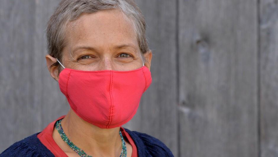 V nedeljo potrjenih 39 okužb, dva bolnika umrla (foto: Profimedia)