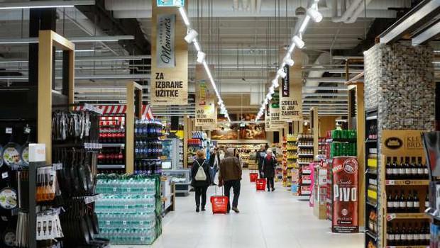 DZ uzakonil zaprtje trgovin ob nedeljah in praznikih (foto: Anže Malovrh/STA)