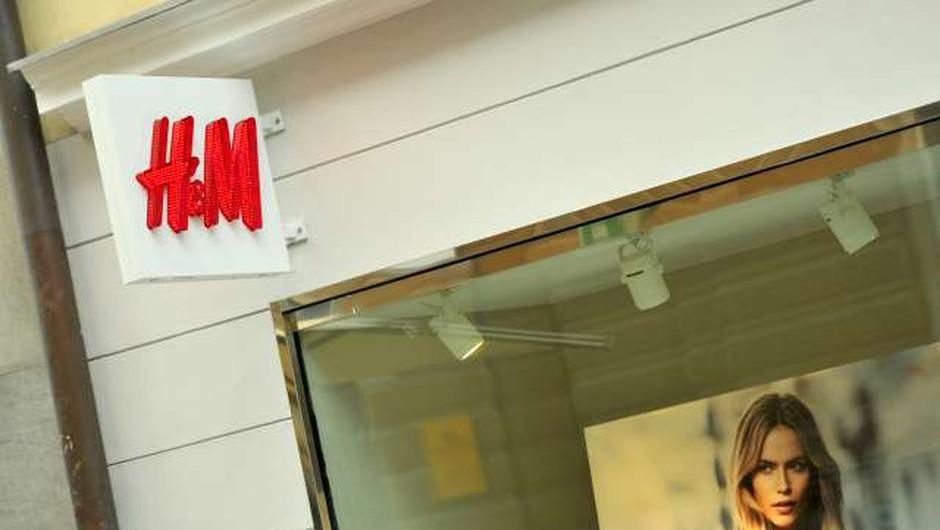 H&M kljub vrnitvi k dobičku napoveduje zapiranje fizičnih trgovin (foto: Tamino Petelinšek/STA)