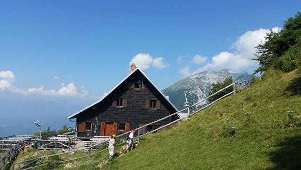 Poleg izkušenih planincev so slovenske gore privabile več tistih obiskovalcev, ki se doslej tja niso odpravljali (foto: Aljoša Rehar/STA)