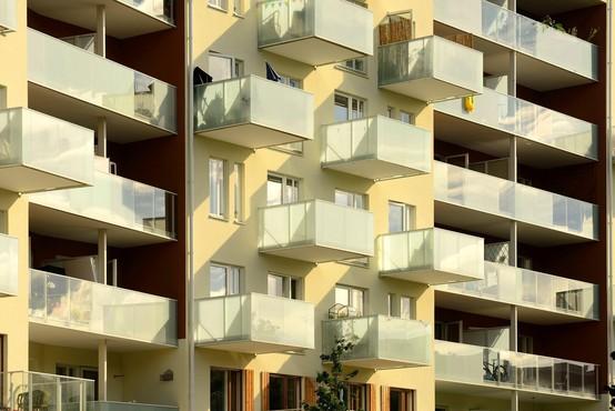 Litvanci ne bodo smeli več kaditi na balkonu, če bo to motilo sosede