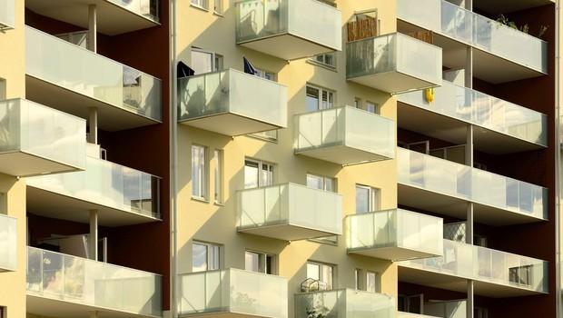 Litvanci ne bodo smeli več kaditi na balkonu, če bo to motilo sosede (foto: profimedia)