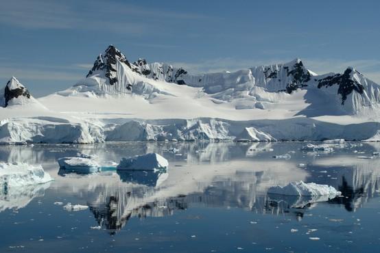 Količina ledu v Arktičnem morju se je kritično zmanjšala