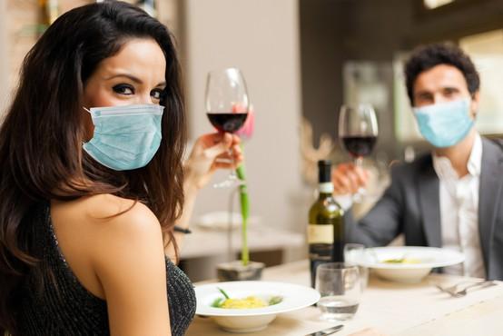 Kako točno bomo nosili maske v restavracijah in lokalih? Primer Hrvaške!