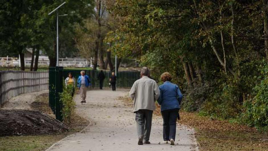 Nove okužbe s koronavirusom tudi v domovih za starejše (foto: Nebojša Tejić/STA)