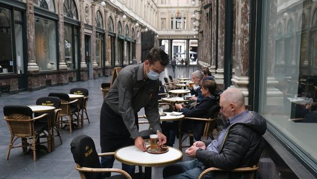 Tudi v Belgiji, Berlinu in Frankfurtu zaostrujejo ukrepe, gostilne in lokali zaprti ob 23. uri (foto: Shutterstock)