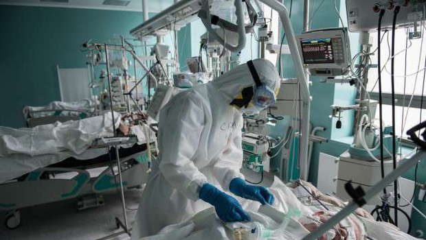 V Rusiji potrdili rekordnih 12.126 novih okužb s koronavirusom (foto: Xinhua/STA)