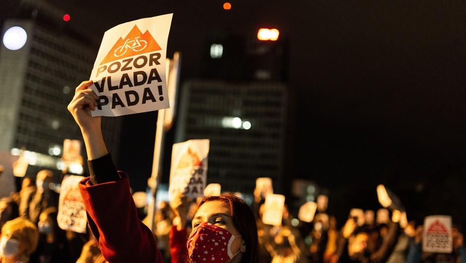 Na protestu v Ljubljani policisti popisovali udeležence (foto: profimedia)