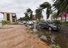Obali Louisiane se približuje orkan Delta 3. kategorije, kopno bo dosegel še danes