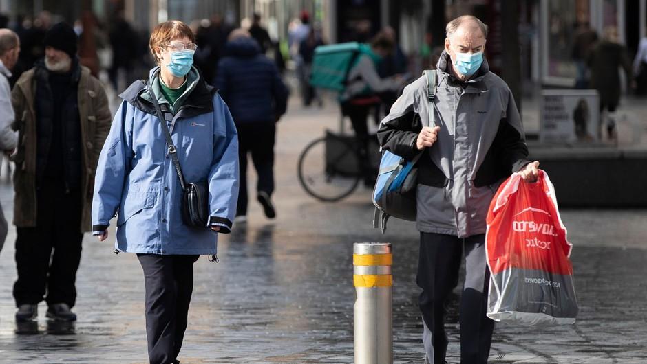 Rekord dnevnih okužb v Evropi presegel 100.000 (foto: profimedia)