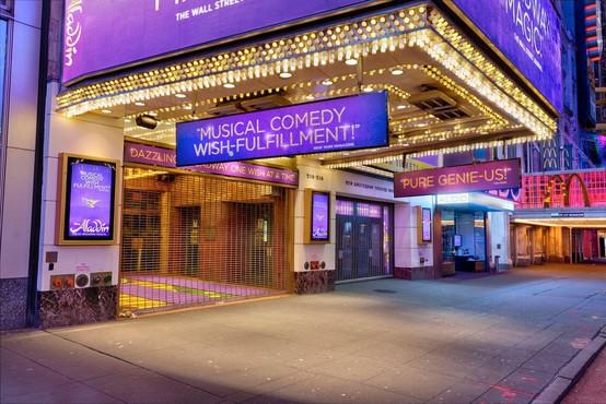 Broadwayska gledališča zaprta do maja, Metropolitanska opera odpovedala sezono