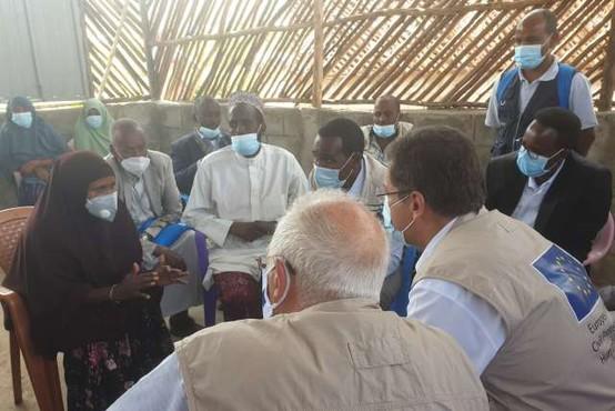 """48-urni """"skok"""" z Borellom in Lenarčičem v Afriko v iskanju partnerstva z EU (reportaža)"""