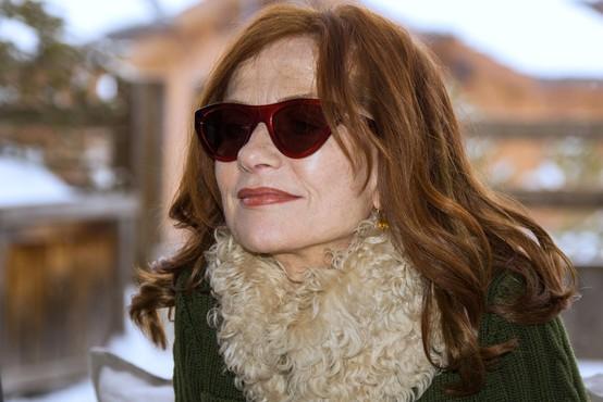 Isabelle Huppert spolna neenakost v filmski industriji ne razburja pretirano