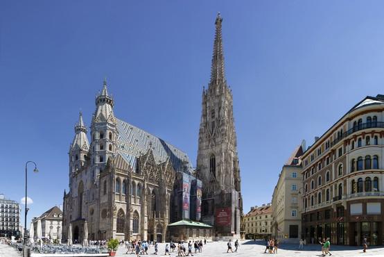 Dunajski volivci bodo odločili o politični usodi kompromitiranega Stracheja
