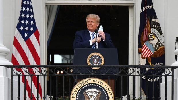 Trumpov osebni zdravnik zagotavlja, da predsednik ni več kužen (foto: profimedia)