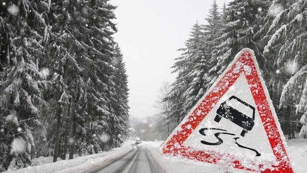 Obilno deževje povzročalo težave, na Voglu 43 cm snega, padavine bodo ponehale šele zjutraj (foto) (foto: Shutterstock)