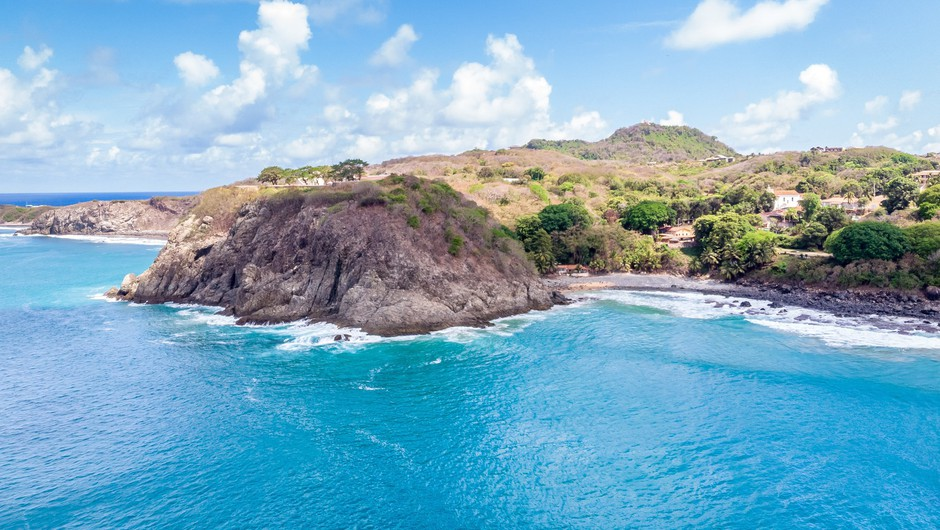 Brazilski otok sprejema le turiste, ki so preboleli covid-19 (foto: Profimedia)
