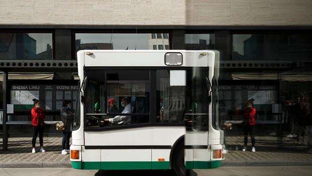 V Sloveniji so v nedeljo ob 1404 testih potrdili 169 okužb (foto: Profimedia)