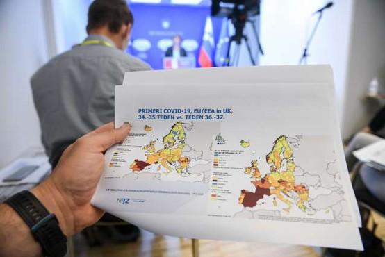 EU z enotnim zemljevidom za uskladitev omejitev potovanj, države se trudijo zajeziti pandemijo