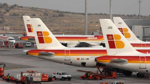Španska letalska družba Iberia bo potnikom ponudila cenejše testiranje na koronavirus (foto: Xinhua/STA)