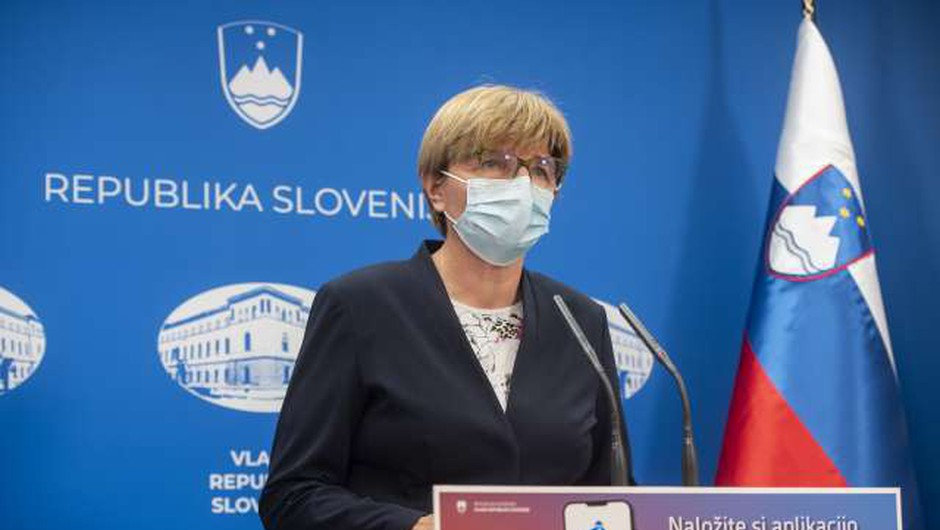 Ministrstvo za zdravje z odredbo zaenkrat prekinja izvajanje nekaterih preventivnih dejavnosti (foto: Bor Slana/STA)