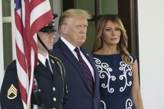 Melania Trump prvič po okužbi razkrila, kako je doživljala covid-19; okužen je bil tudi njen sin Barron