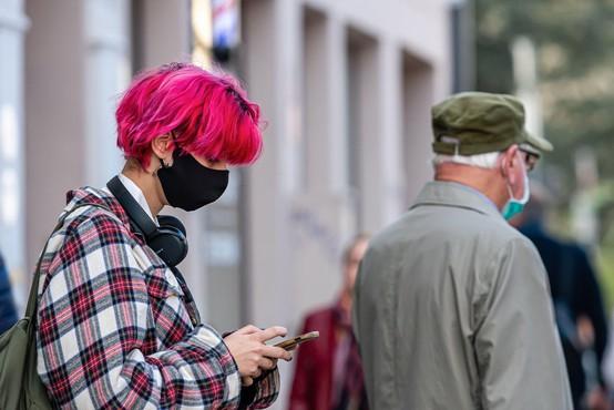 V Sloveniji spet rekordno število dnevno potrjenih okužb - 834