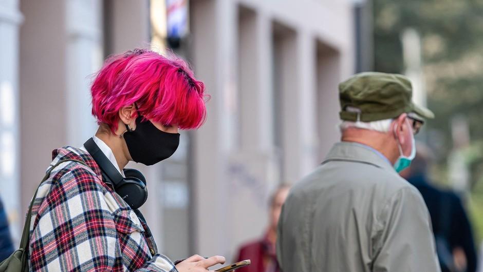 V Sloveniji spet rekordno število dnevno potrjenih okužb - 834 (foto: profimedia)