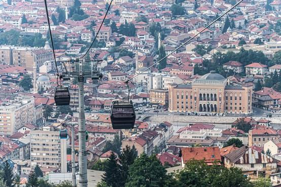 Na Hrvaškem znova čez tisoč okuženih, v BiH rekordnih 711