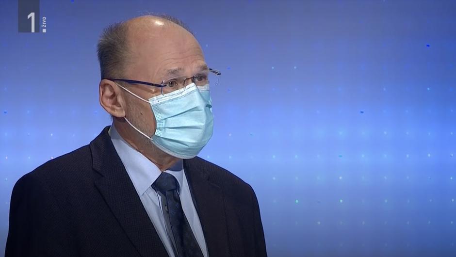 Kacin pojasnil, zakaj do pred kratkim na novinarskih konferencah ni nosil maske (foto: MMC RTV Slovenija)