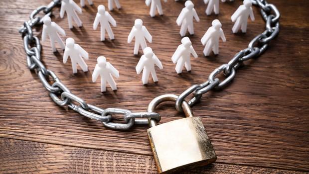 Trgovina z ljudmi v epidemioloških razmerah dodatno ogroža ranljive skupine (foto: profimedia)