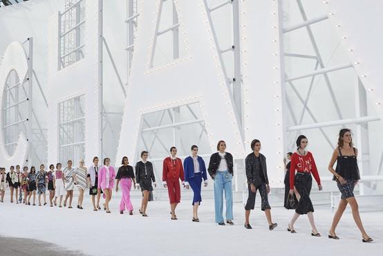 Tedni mode: V živo ali online? (piše Petra W.)