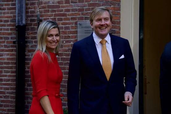 Nizozemski kraljevi par razburil s potovanjem v času koronakrize