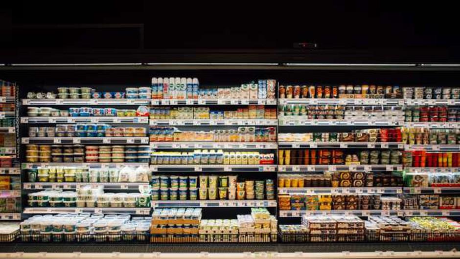 Mercator, Spar, Tuš in ostali trgovci bodo trgovine zapirali pred 21. uro (foto: Nik Jevšnik/STA)