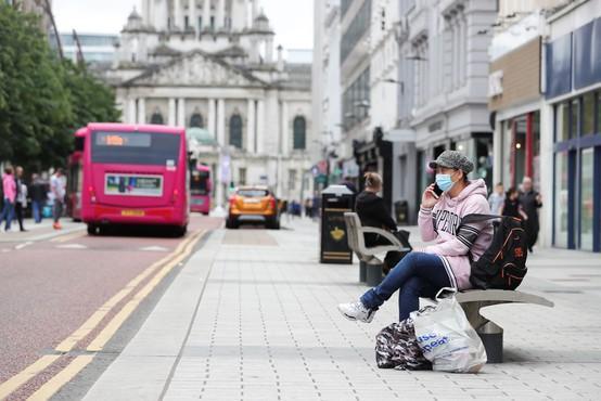 Irska se za najmanj šest tednov vrača na najstrožjo raven ukrepov