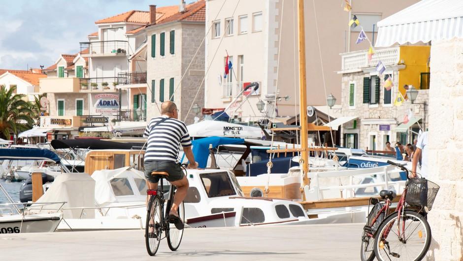 Na Hrvaškem zaenkrat ne nameravajo poostriti epidemioloških ukrepov (foto: Profimedia)