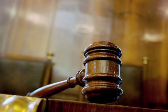 Španec mora zaradi prikrivanja homoseksualnosti plačati odškodnino bivši ženi