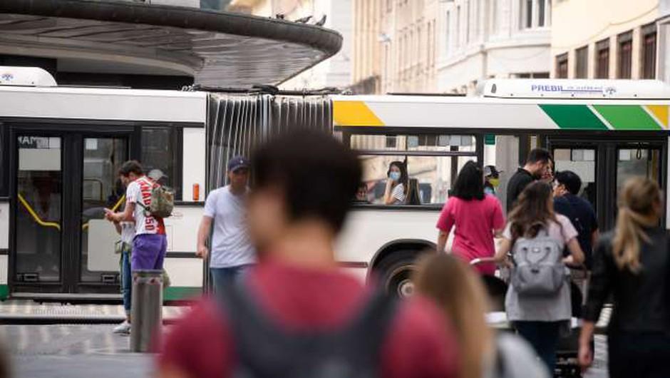 LPP s ponedeljkom uvaja počitniški vozni red in ukinja nočne linije (foto: Nebojša Tejić/STA)