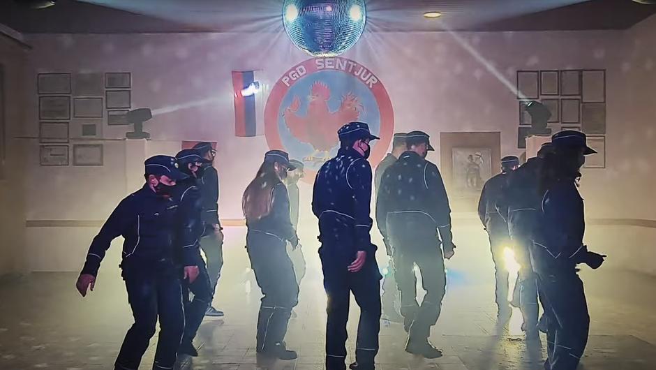 Gasilci iz Šentjurja zaplesali na pesem Jerusalema in na YouTube navdušili Slovence (foto: YouTube)