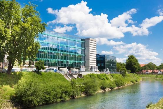 V UKC Ljubljana nenujnih posegov začasno ne bodo obravnavali