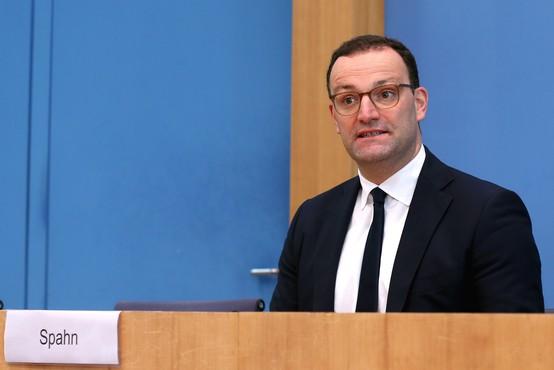 Nemški minister za zdravje napovedal cepljenje do konca leta